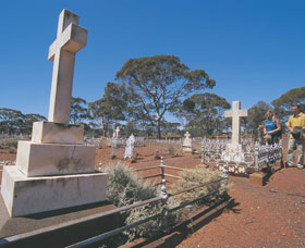 Coolgardie Cemetery - Newcastle Accommodation
