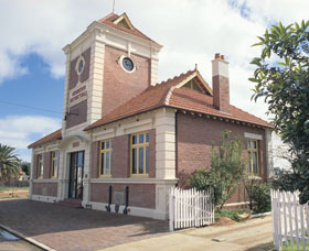 Merredin Town Hall - Newcastle Accommodation