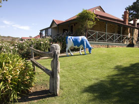 Longview Vineyard - Newcastle Accommodation