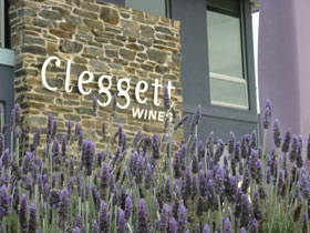 Cleggett Wines - Newcastle Accommodation