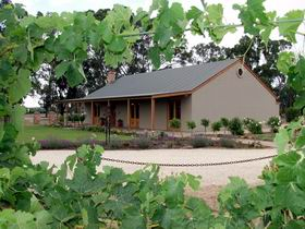 VineCrest Fine Barossa Wine - Newcastle Accommodation
