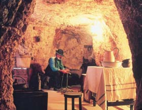 Umoona Opal Mine And Museum - Newcastle Accommodation