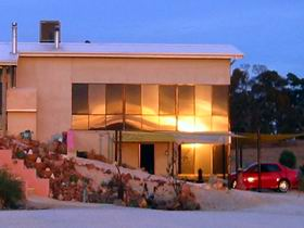 Mt Surmon Wines - Scarlattis Gallery - Newcastle Accommodation