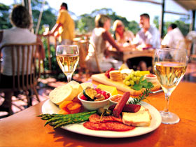 Eldredge Vineyards And Restaurant - Newcastle Accommodation