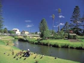 Strathalbyn Market - Newcastle Accommodation