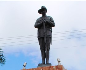 Charters Towers Memorial Cenotaph - Newcastle Accommodation
