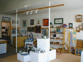 Great Alpine Gallery - Newcastle Accommodation
