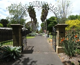 Friends of Geelong Botanic Gardens - Newcastle Accommodation