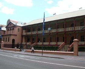 Parliament House - Newcastle Accommodation