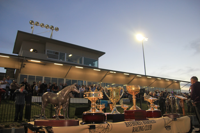 Bathurst Harness Racing Club - Newcastle Accommodation