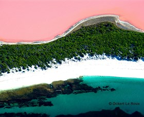 Lake Hillier - Newcastle Accommodation
