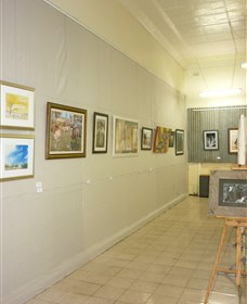 Outback Arts Gallery - Newcastle Accommodation