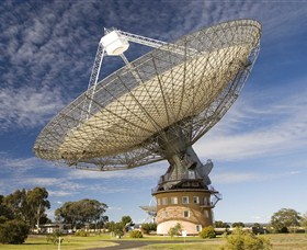 CSIRO Parkes Radio Telescope - Newcastle Accommodation