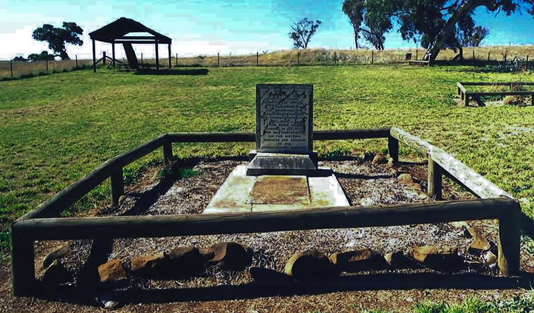 Yuranighs Aboriginal Grave Historic Site - Newcastle Accommodation