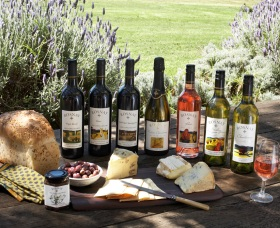Rosnay Organic Farm and Vineyard - Newcastle Accommodation