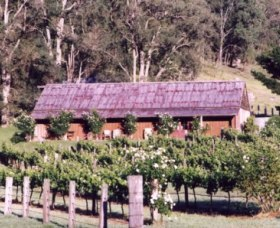 Undercliff Winery and Gallery - Newcastle Accommodation