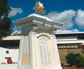 Beenleigh War Memorial - Newcastle Accommodation