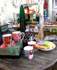 The Famous Tinonee Cafe and Gift Shop - Newcastle Accommodation