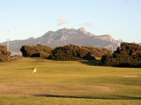 Flinders Island Sports  RSL Club - Newcastle Accommodation