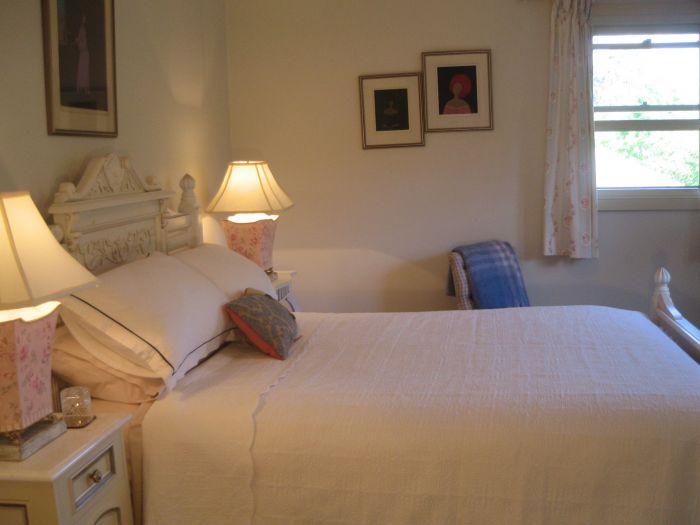 Trafalgar Bed and Breakfast and Annie's cottage - Newcastle Accommodation