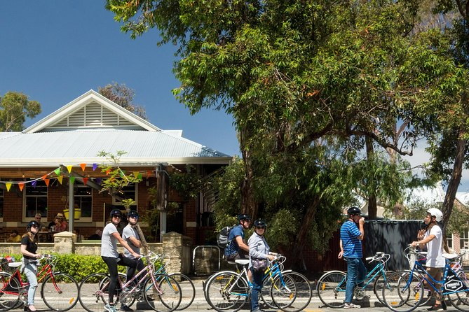 Explore Freo the local way on our 3 hour bike tour - Newcastle Accommodation
