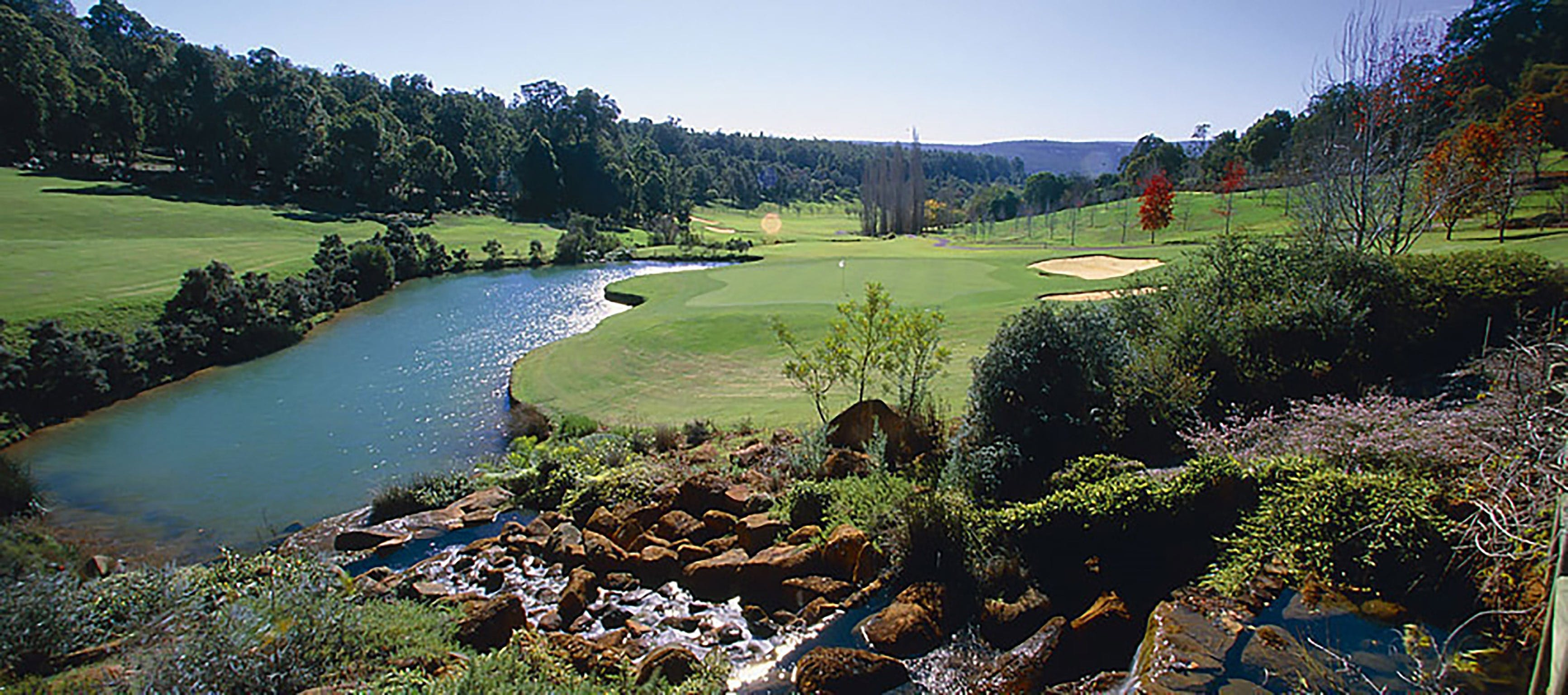 Araluen Golf Resort - Newcastle Accommodation