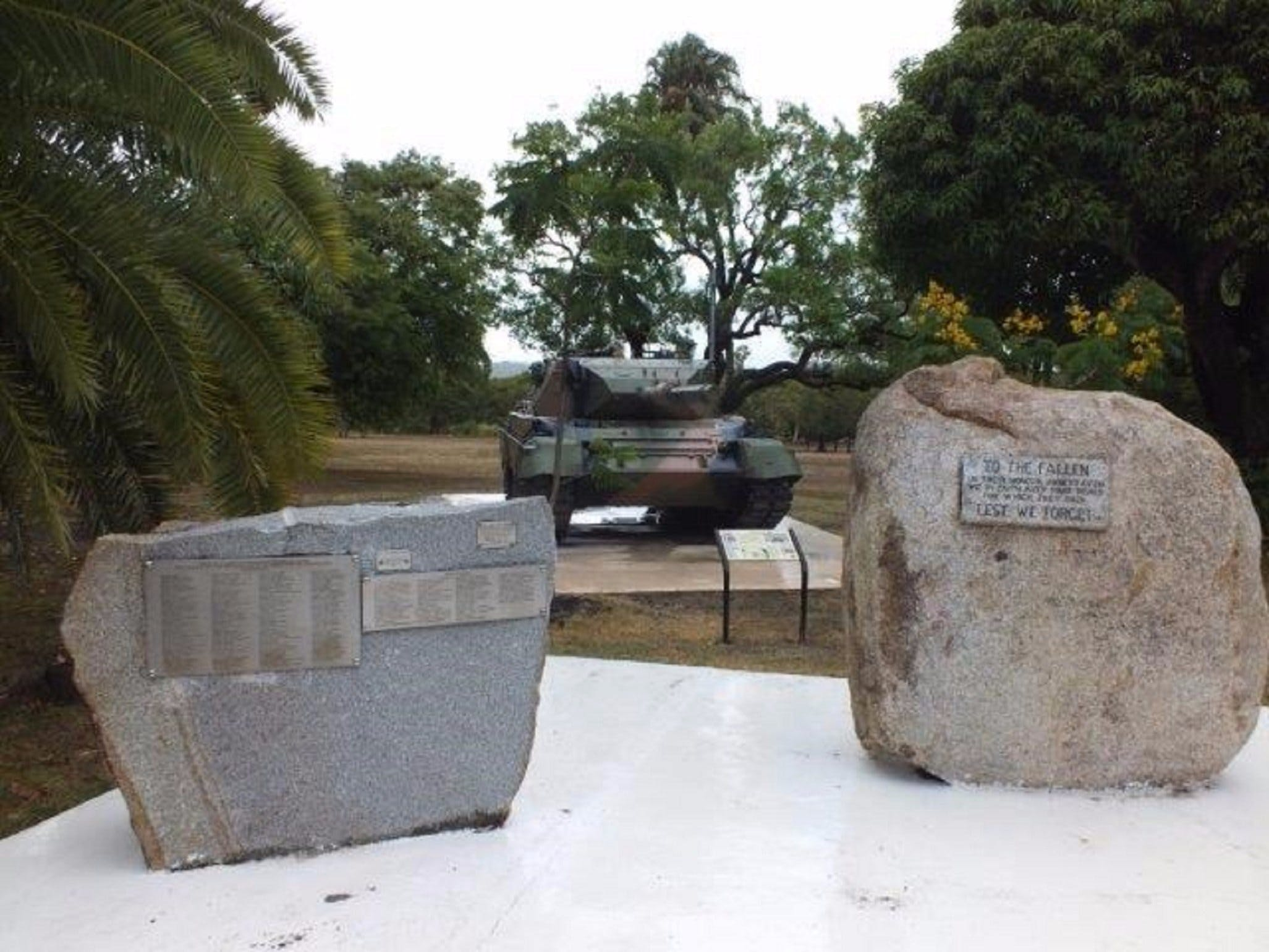 Cooktown War Memorial - Newcastle Accommodation