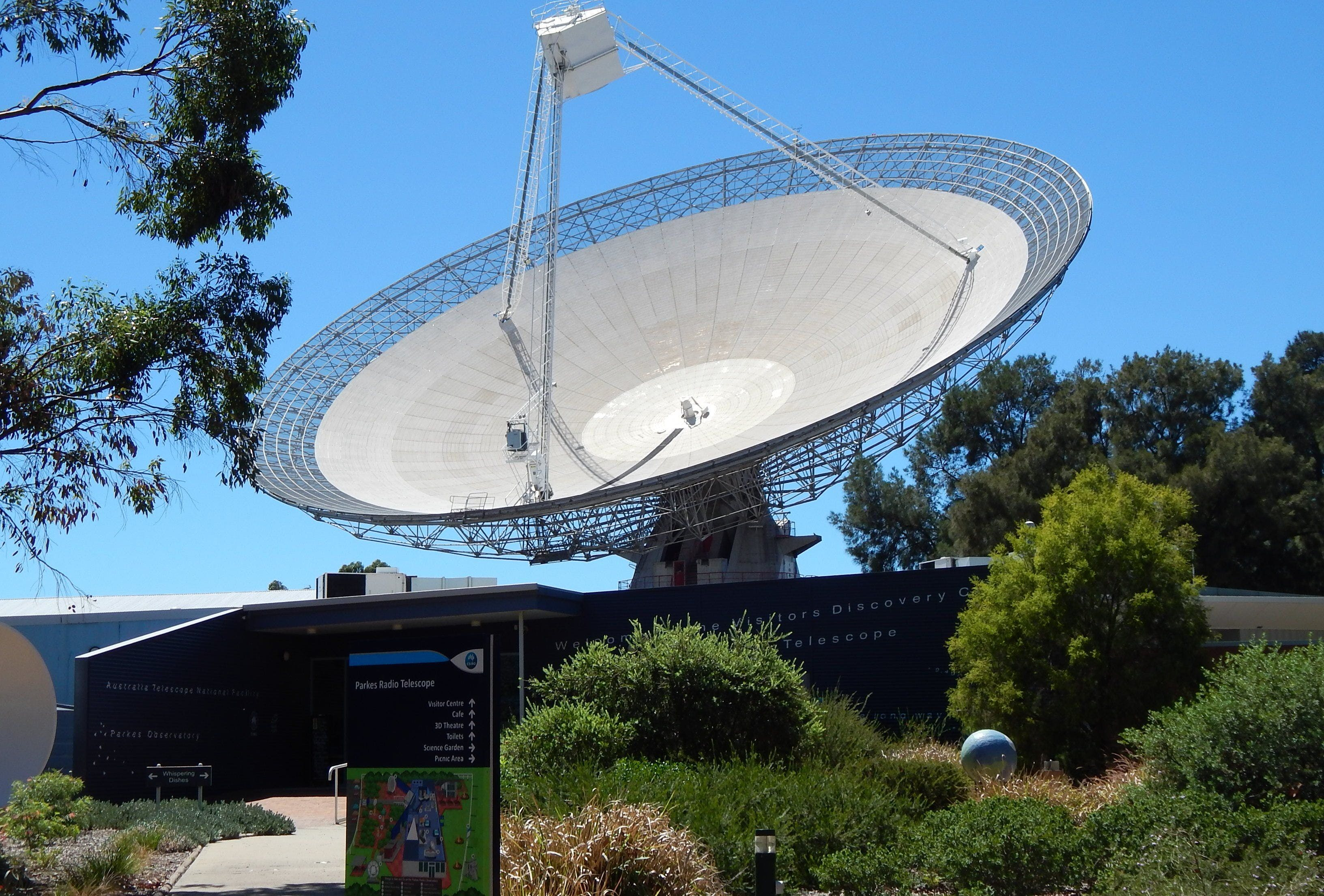 CSIRO Parkes Radio Telescope Visitor Centre - Newcastle Accommodation