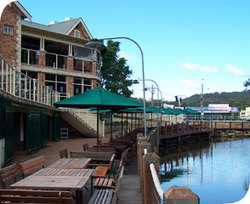 The Woodport Inn - Newcastle Accommodation