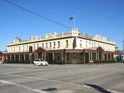 Soden's Australia Hotel - Newcastle Accommodation