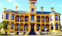 The Queenscliff Historic Royal Hotel - Newcastle Accommodation