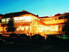Loxton Community Hotel Motel - Newcastle Accommodation