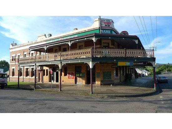 Bank Hotel Dungog - Newcastle Accommodation
