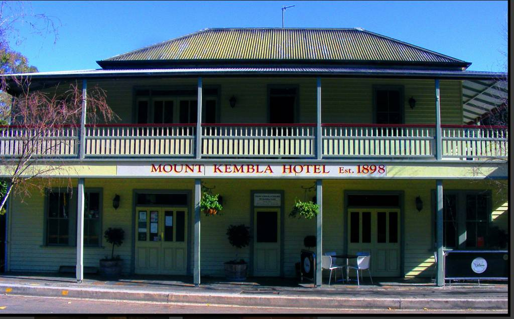 Mount Kembla Village Hotel - Newcastle Accommodation