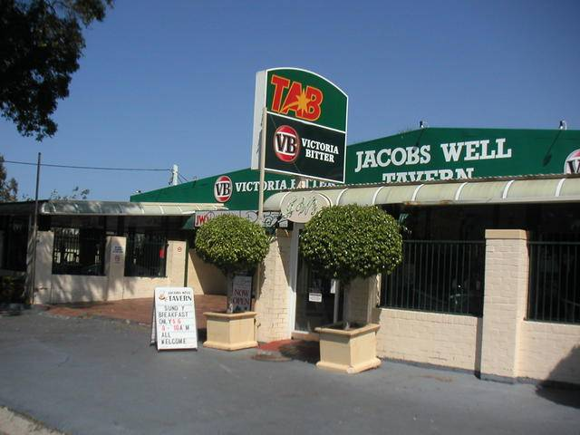 Jacobs Well Bayside Tavern - Newcastle Accommodation