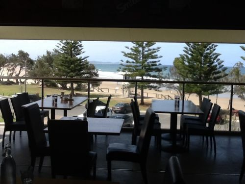 Fat Fish Beachfront Bistro - Newcastle Accommodation
