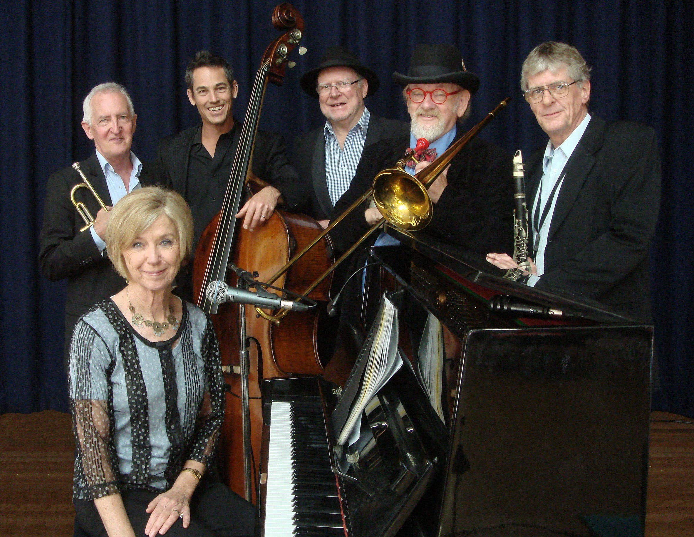 The Caxton Street Jazz Band in the Swigmore Hall at Robert Channon Wines - Newcastle Accommodation