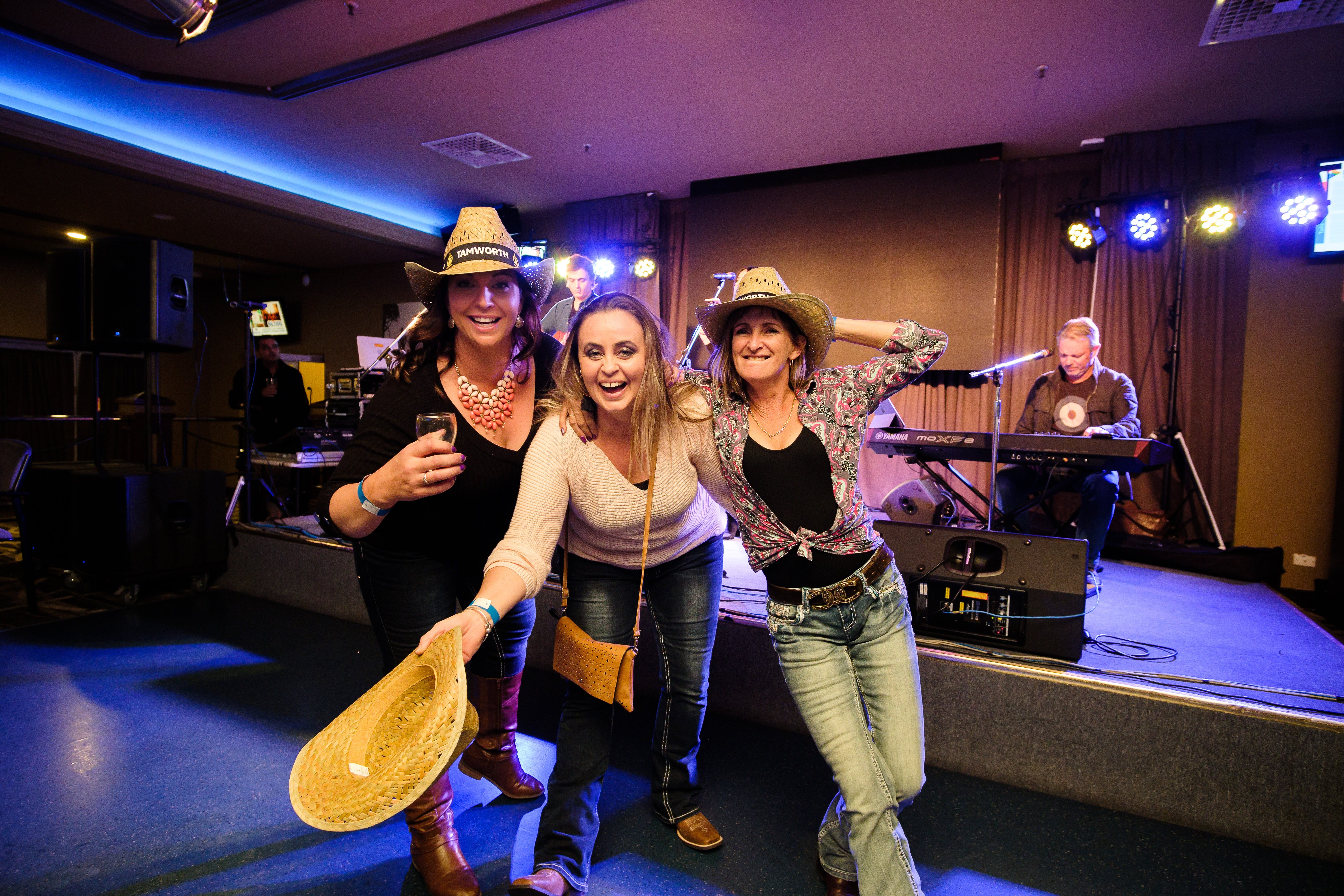 Hats Off to Country Music Festival - Newcastle Accommodation