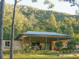 Lyrebird Studio Hideaway in the Watagans - be at one with nature Ellalong
