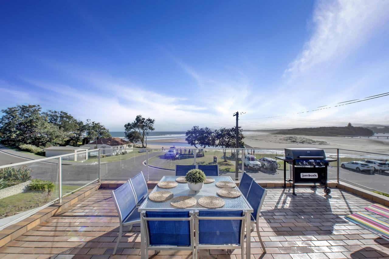 The Rotunda  Gerroa - Pet Friendly Beachfront - Newcastle Accommodation