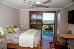 Sinclairs Country Retreat - Newcastle Accommodation