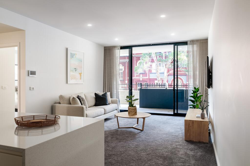 Contemporary Apartment In Newcastle CBD - Newcastle Accommodation