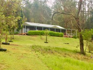 Grand View Holiday Home - Newcastle Accommodation