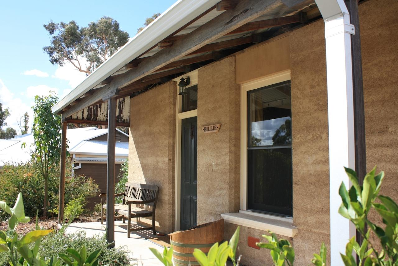 Hotham Ridge Winery and Cottages - Newcastle Accommodation