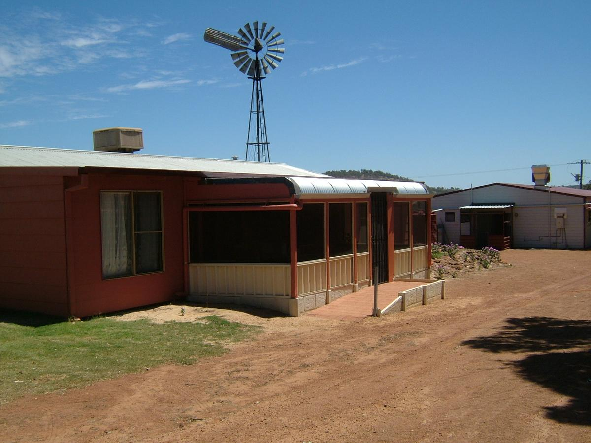 Bindoon's Windmill Farm - Newcastle Accommodation