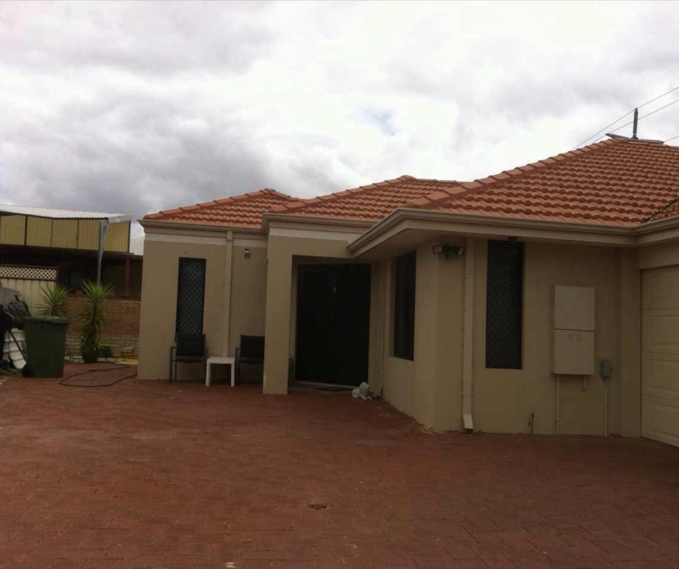 House close to airport - Newcastle Accommodation